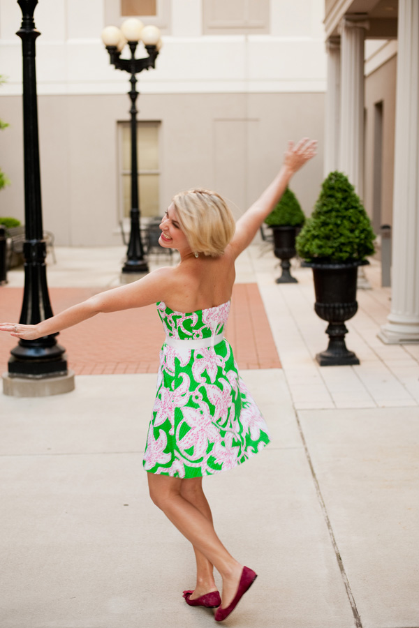 Playing during a photo session with Alyssa Joy. (In Lilly, no less.) Because, why take life so seriously?