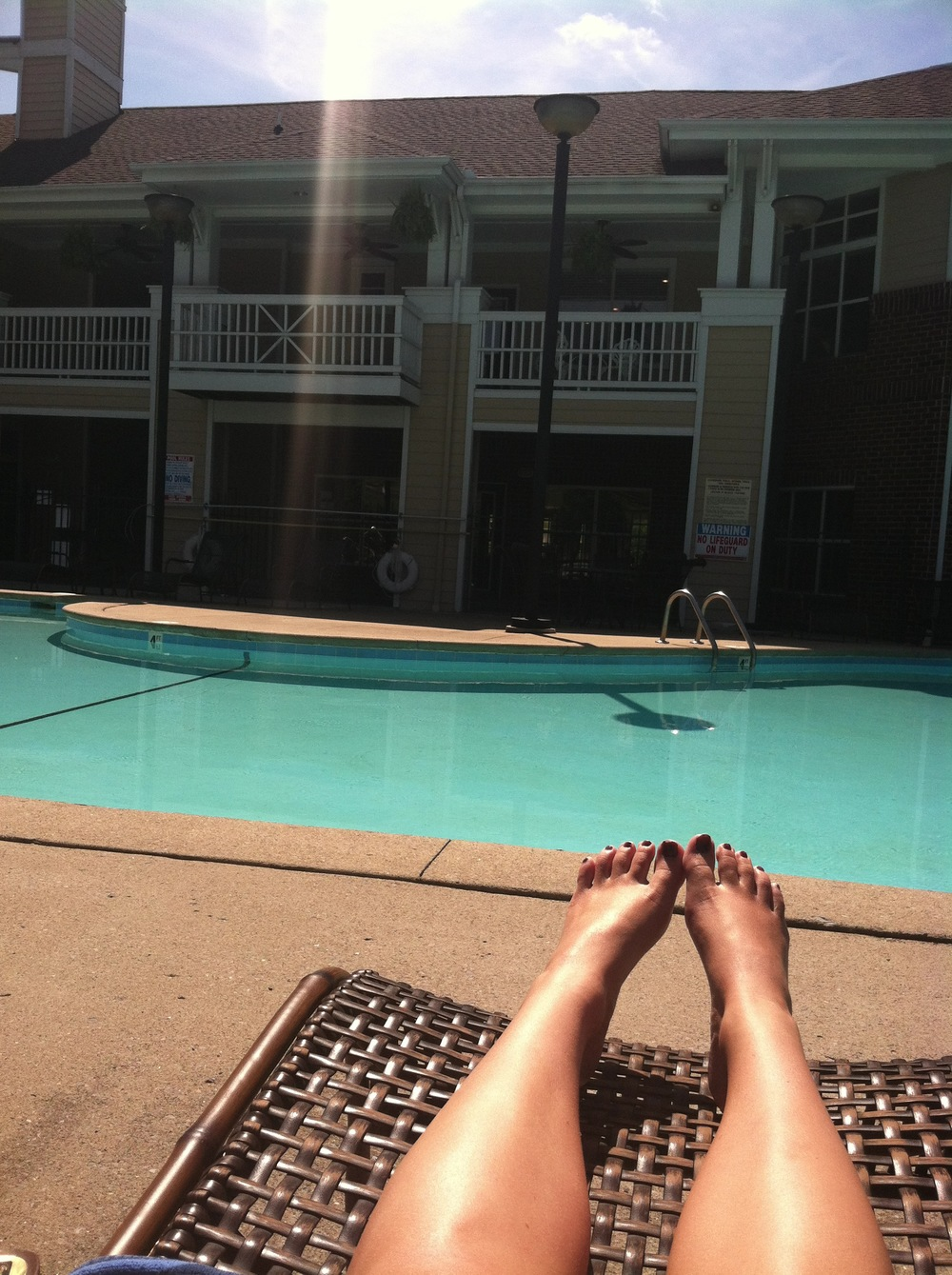 daily dose of vitamin D, courtesy of my apartment pool last week!