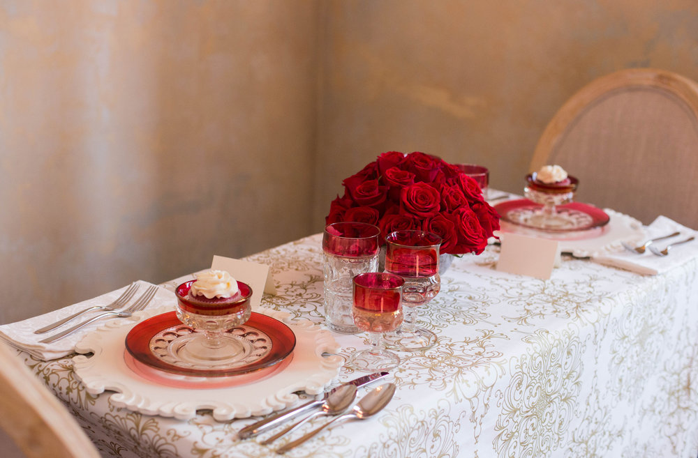 Elegant vintage crystal and red roses? Oh, so romantic!
