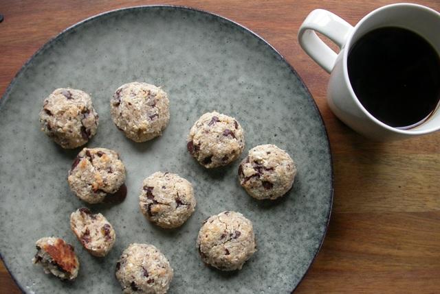 Mandelkager med kokos og chokolade