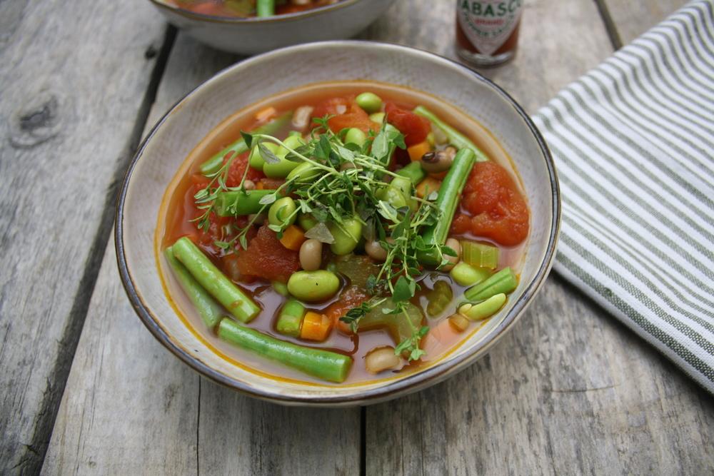 Vegetar-minestrone med 3 slags bønner