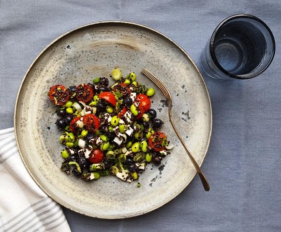 Edamamesalat med quinoa og tomat