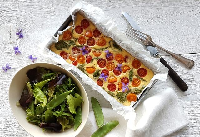 Ovnbagt omelet med cherry tomater