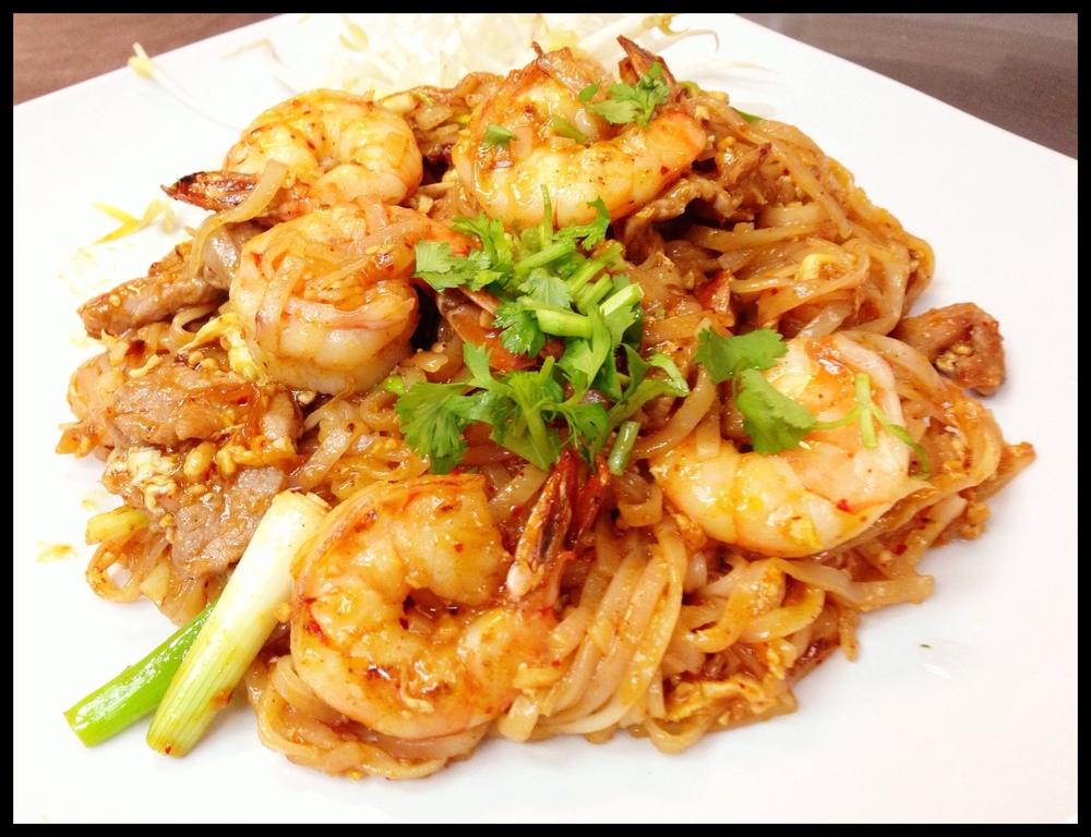 Pad Thai Shrimp & Beef
