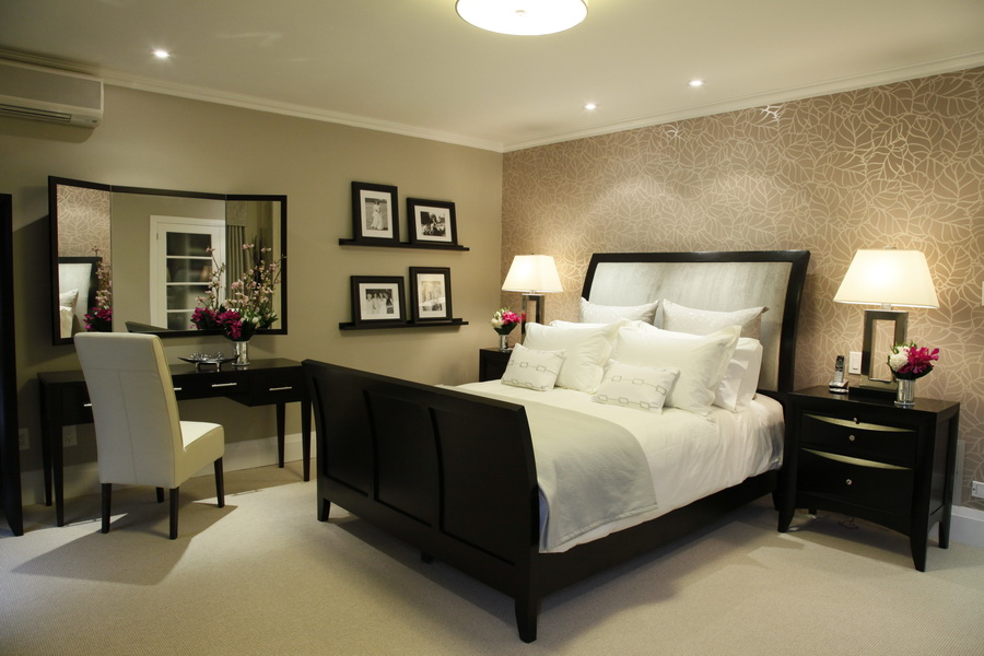 DOWNTOWN TORONTO MASTER SUITE