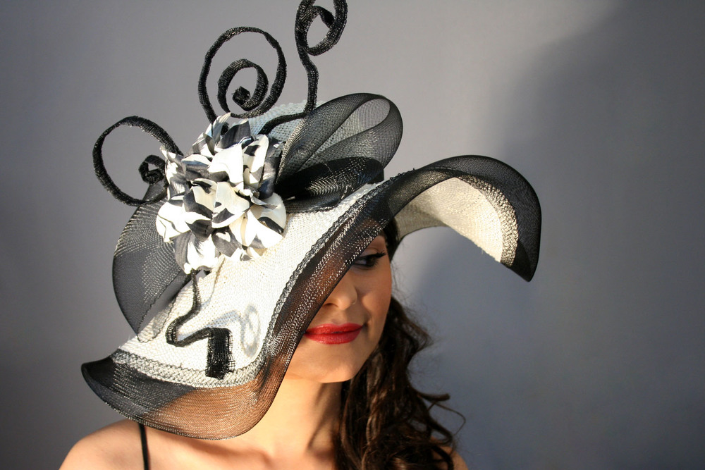 001-black and white large derby.jpg