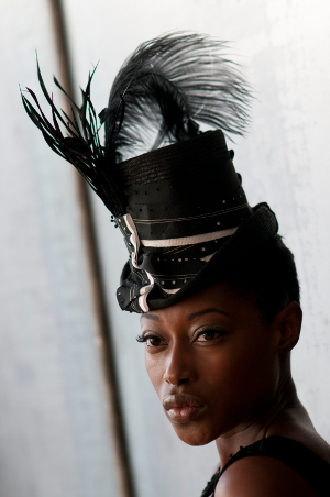 blk.tophat.model.300.website.jpg