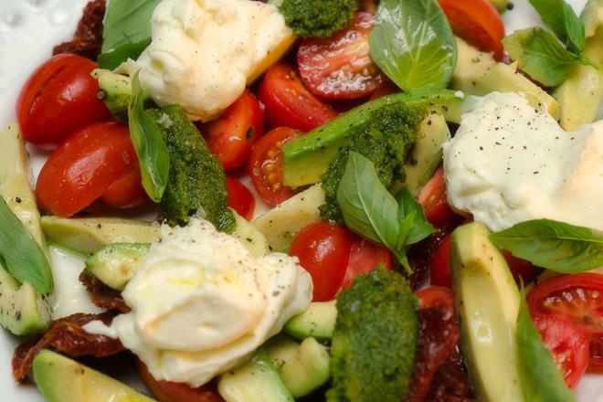 Tomato and Avocado Salad Photo : Karen E Photography