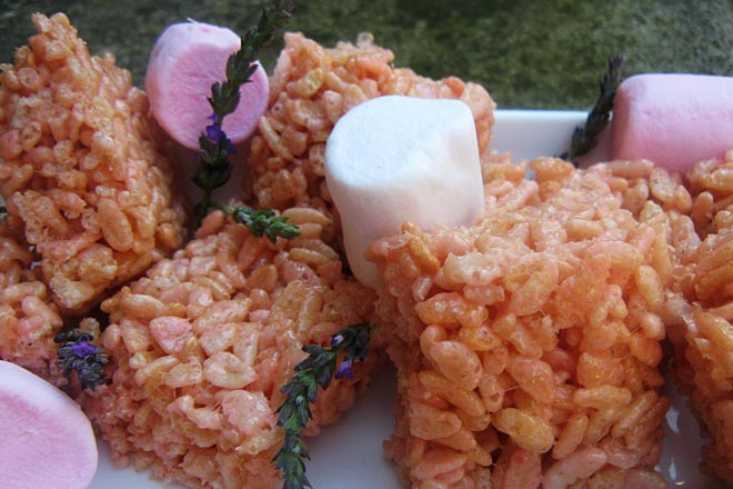 Marshmallow Rice Krispies Clusters Photo : Jackie Cameron