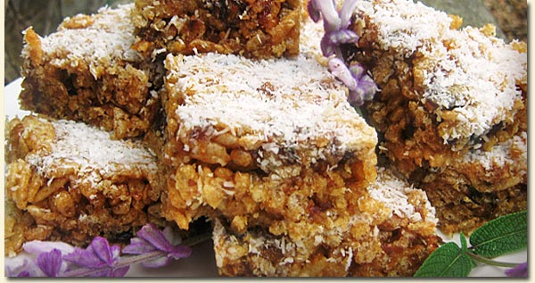 Rice Krispies and Date Bars / Jackie Cameron (p)