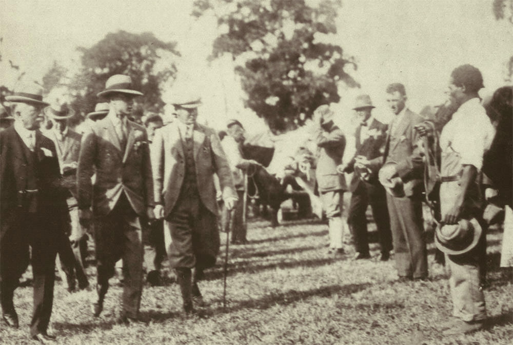 The opening of the 1925 Royal Show by the Prince of Wales. Flanking the Prince are Leonard Line and William Drysdale / Royal Agricultural Society (p)