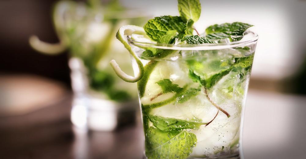 Summer VibesMojito Cocktail / Hartford House (p)
