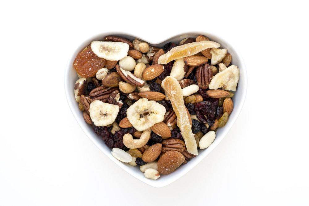 我们坚持关于坚果... - 腰果,杏仁,核桃,开心果,山核桃,榛子,松仁坚果,坚果坚果澳洲坚果。