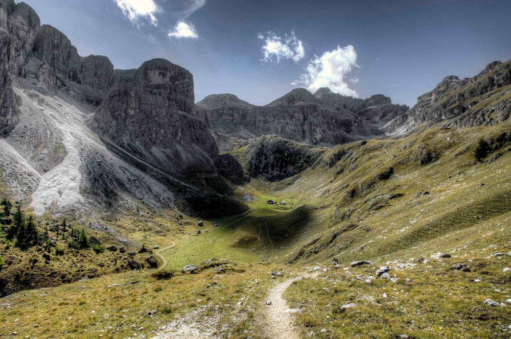 The mountain pasture of Antersasc. (Copyright: Gustav Willeit).