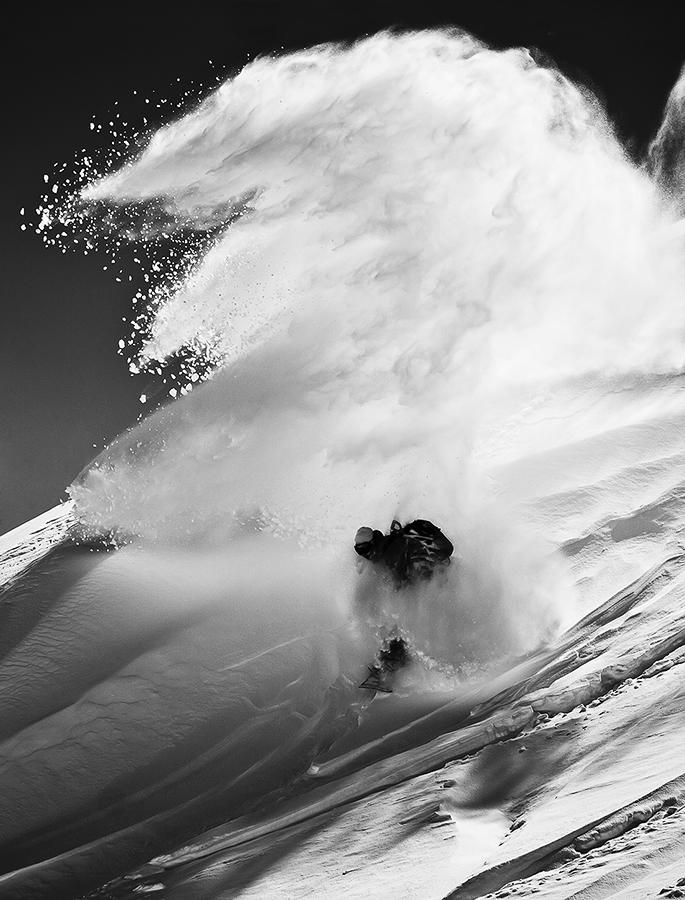 LeviLuggen_Spray_SilvanoZeiter_Snowboard.jpg