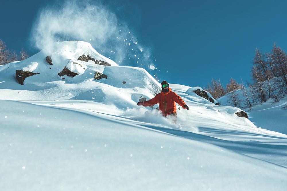leviluggen_deep_pow_snowboard_silvanozeiter_3.jpg