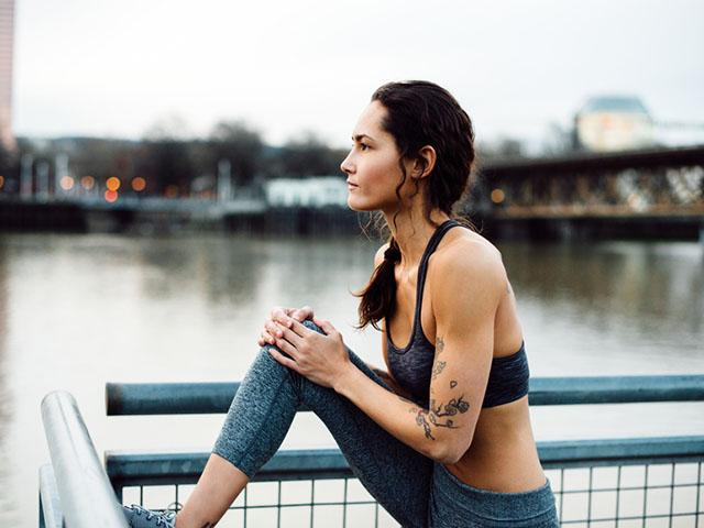 how_to_lose_weght_healthily,_woman_stretching__medium_4x3.jpg