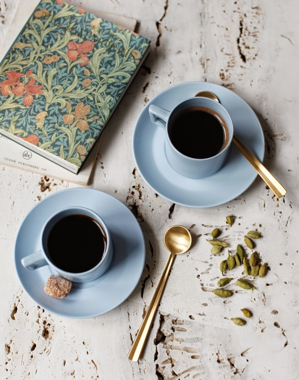 Kinfolk_Web_Diana-Yen_Cardamom-Coffee-1.jpg