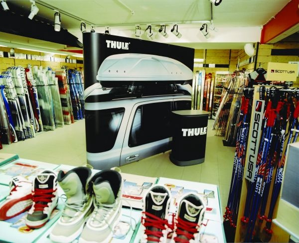 EXPAND 2000 Thule ski store.jpg