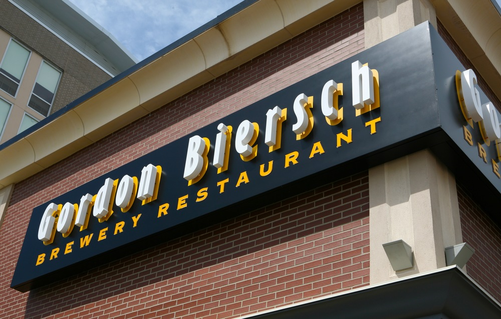 Gordon Biersch Restaurant