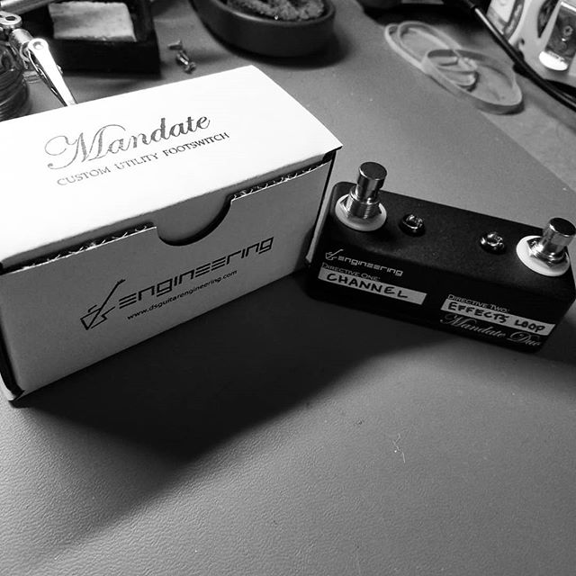 I just finished up this Mandate Duo to replace a customer's massive 3-button footswitch for his Super Sonic 60.  There's a toggle on the back for Channel 1 mode, just in case. 😉