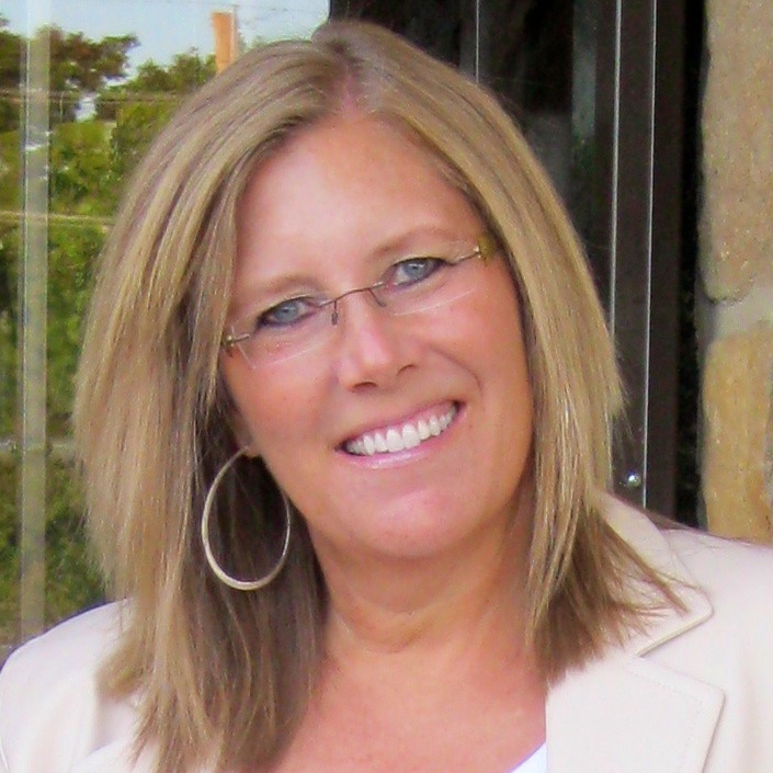 Kelly Pruneau Women's Capital Connection LinkedIn Profile