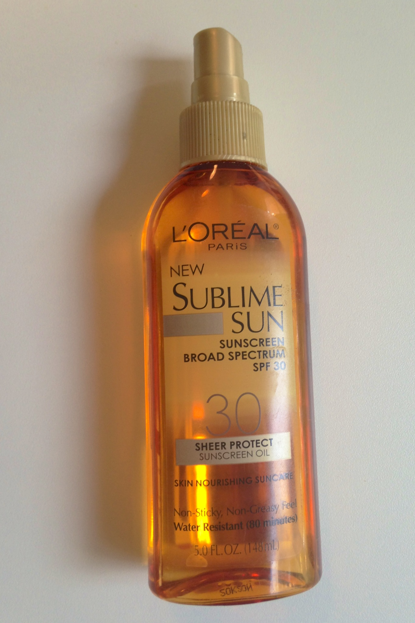 Bikini-Friendly, cellulite blurring formula, I love you!