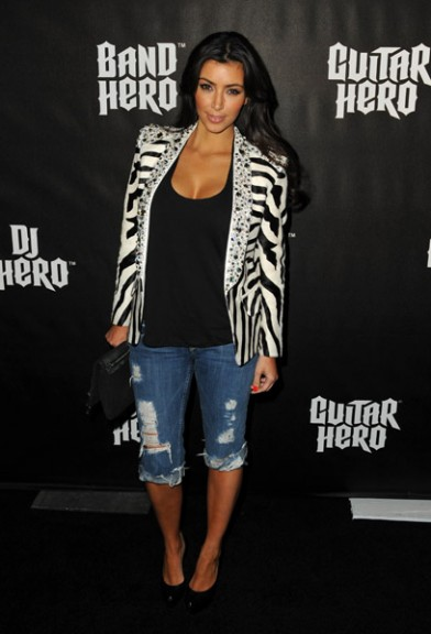 kim-kardashian-bebe-jeans-thumb-392x576-10204.jpg