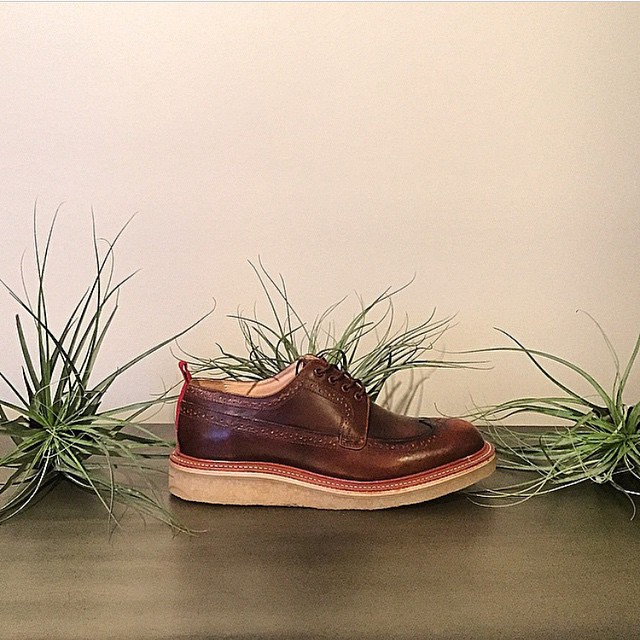 📷 by @brown.ear.down of his custom #wellbredco Winthrop longwings with Crepe outsoles. For custom orders email sales[at]wellbredco[dot]com --------------------------------------------------------- #custom #americanmade #kicks #madetolast #handcrafted #madeinusa #madeinamerica #dapper #dappermen #dappershoes #shoegame #shoeporn #shoesoftheday #gq #esquire #eyeonstyle