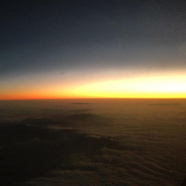Wow  #wow #sunrise #jonasisgone #39000ft #officeinthesky #mesmerizing