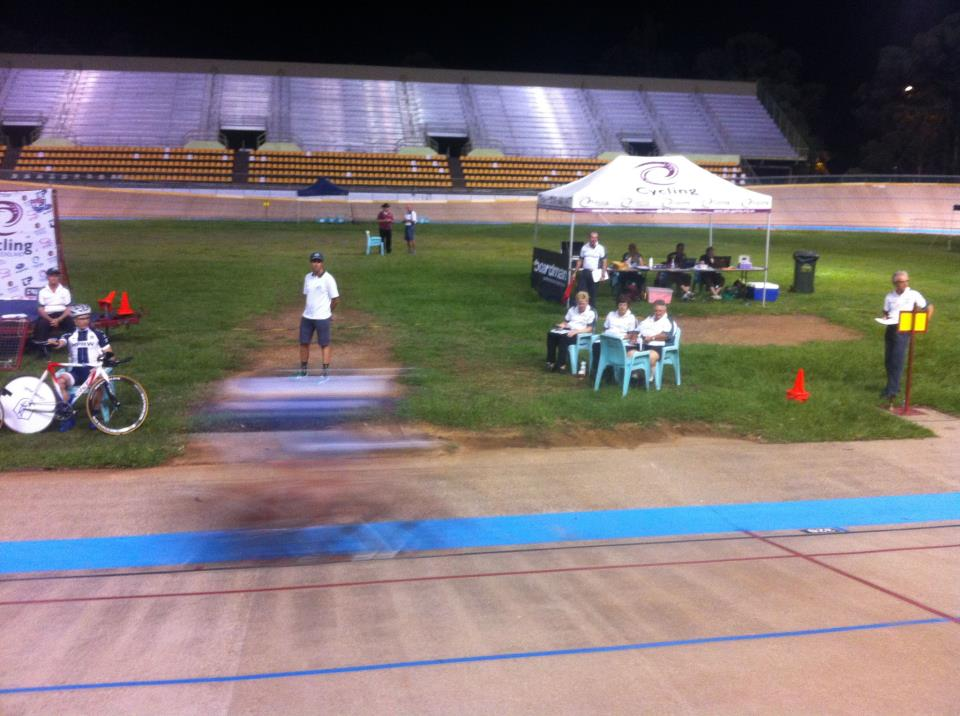 @KangarooPointCC's Secretary BettyB is also a Principal Commissairies at tonights #QLDMasters! You'd be forgiven for thinking we love cycling!