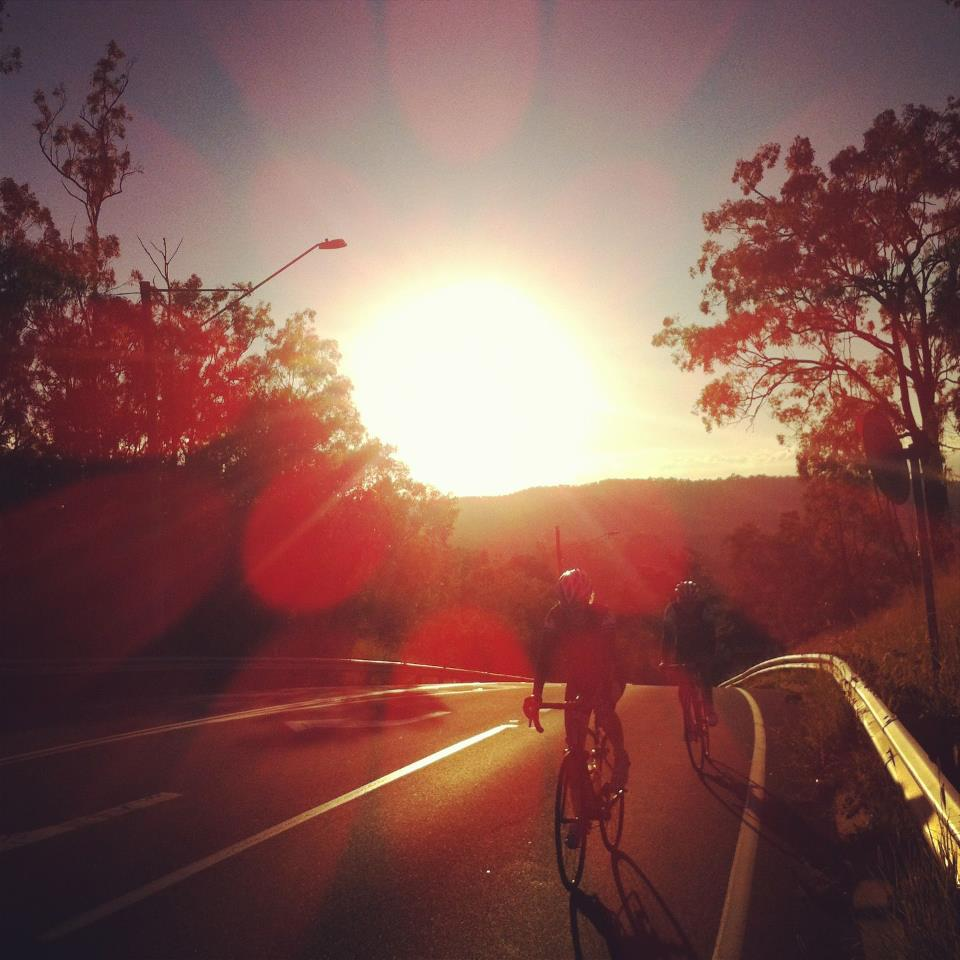 Perfect morning for a roll to Mt Crosby with TeamKP!     — with   Tom Cassingham  ,   Dominic Doan  ,   Ashley Everton  ,  Alix Vann   and   Aaron Urquhart  .