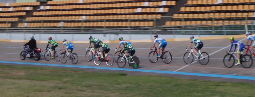 Steph in a great position during the Womens Motor Paced Scratch Race