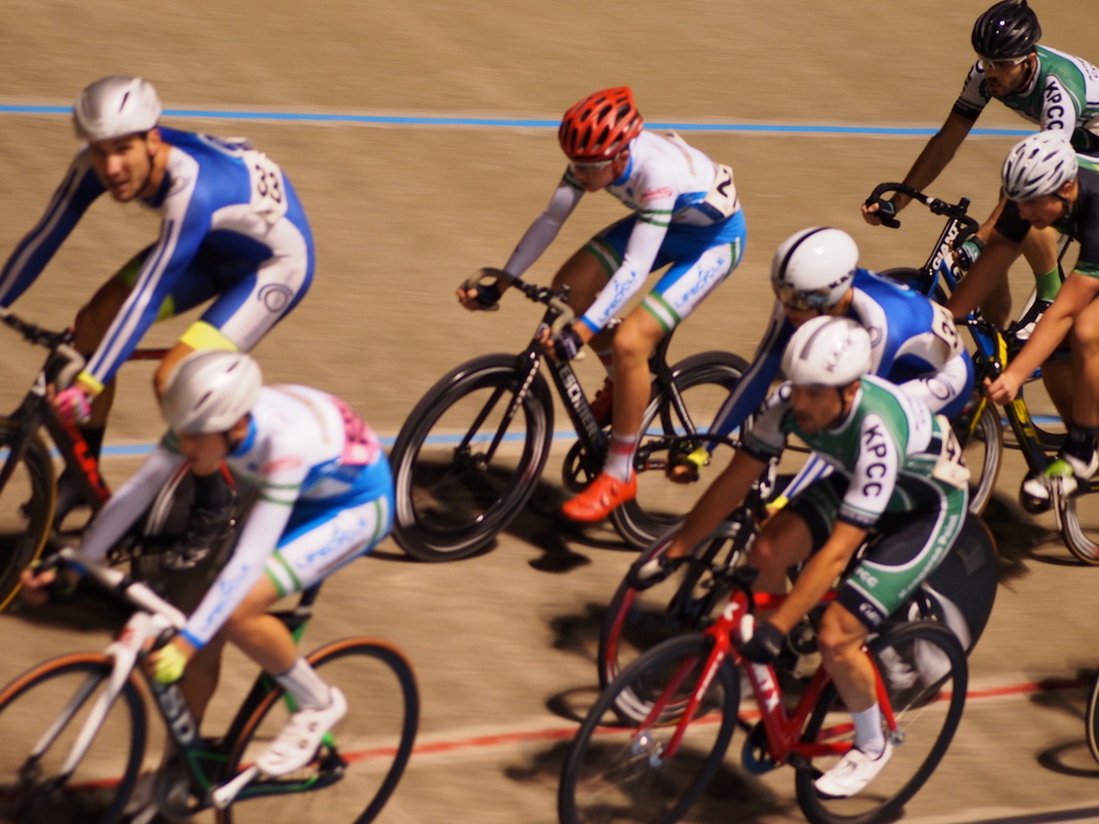 Shane in amongst it during the Scratch Race