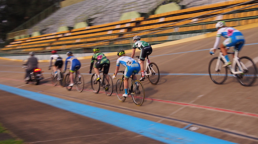Womens Keirin heats up