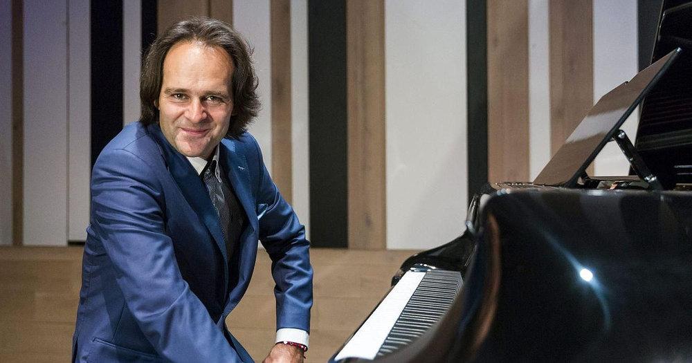Bogányi Gergely - zongoraművész