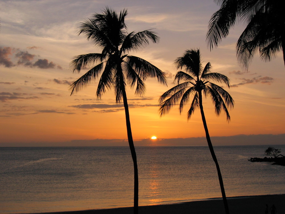 The perfect Hawaiian sunset at Mauna Kea Beach.