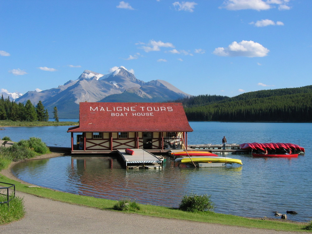 The historic boathouse at picturesque Maligne Lake.