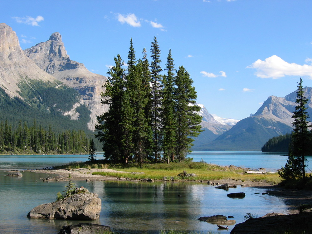 Spirit Island at the far end of Maligne Lake, a beautiful and remote area accessible only by boat.