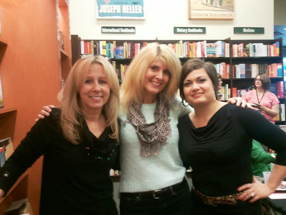 Toni with fellow authors Lori Foster and Jules