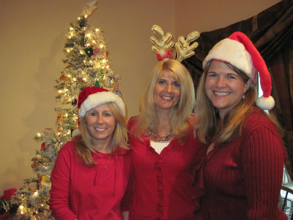 Lori Foster, Toni and Jennifer McGowan celebrating a great year for romance readers and books!