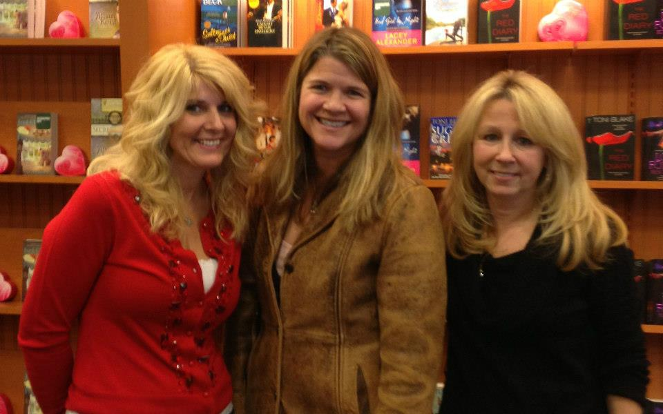 With good author friends Jennifer McGowan and Lori Foster