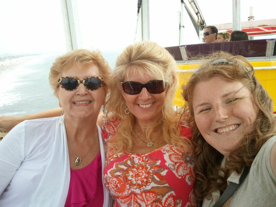 Riding the ferris wheel on Santa Monica Pier with Joni Joni and Lindsey : )