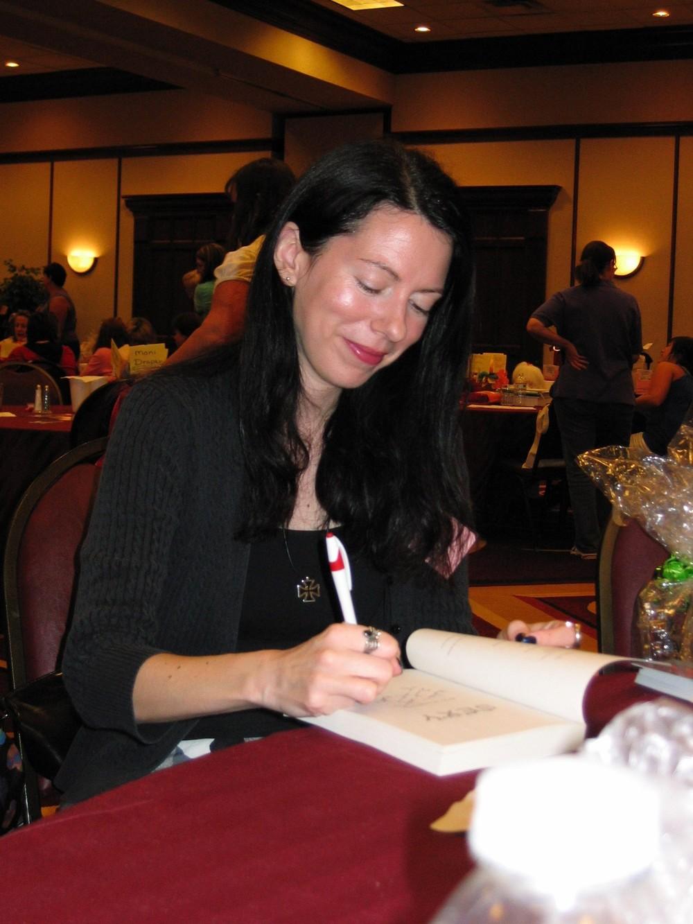 Lori Foster Event 2009 007.jpg