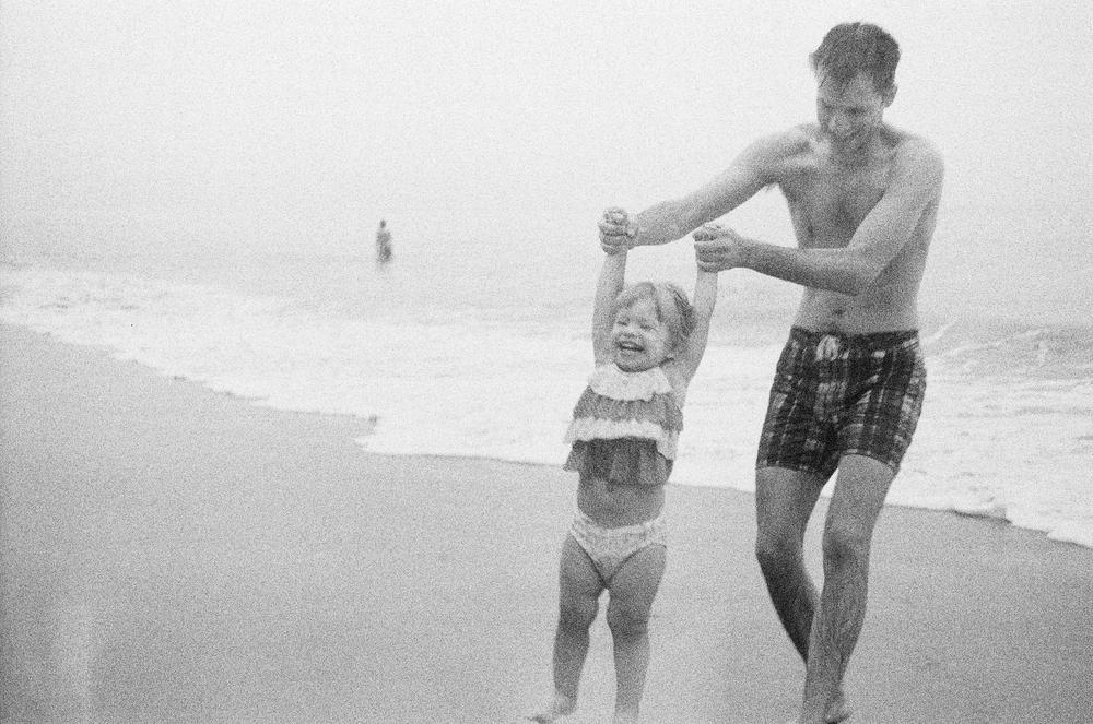 el matador beach | 3200 BW film by lily glass