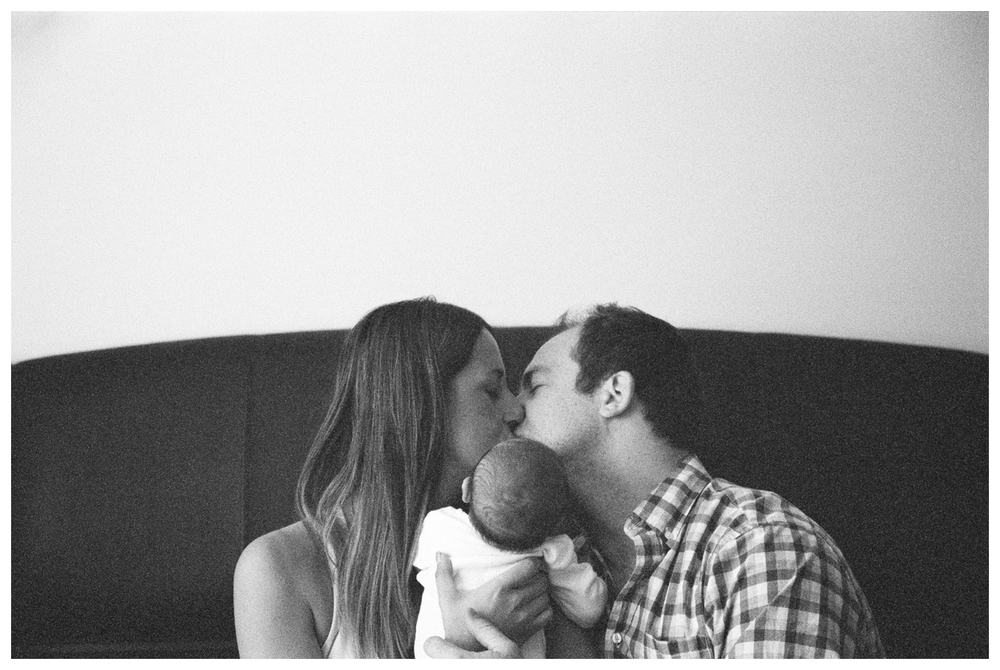 Lifestyle Newborn Portraits | lily glass, los angeles