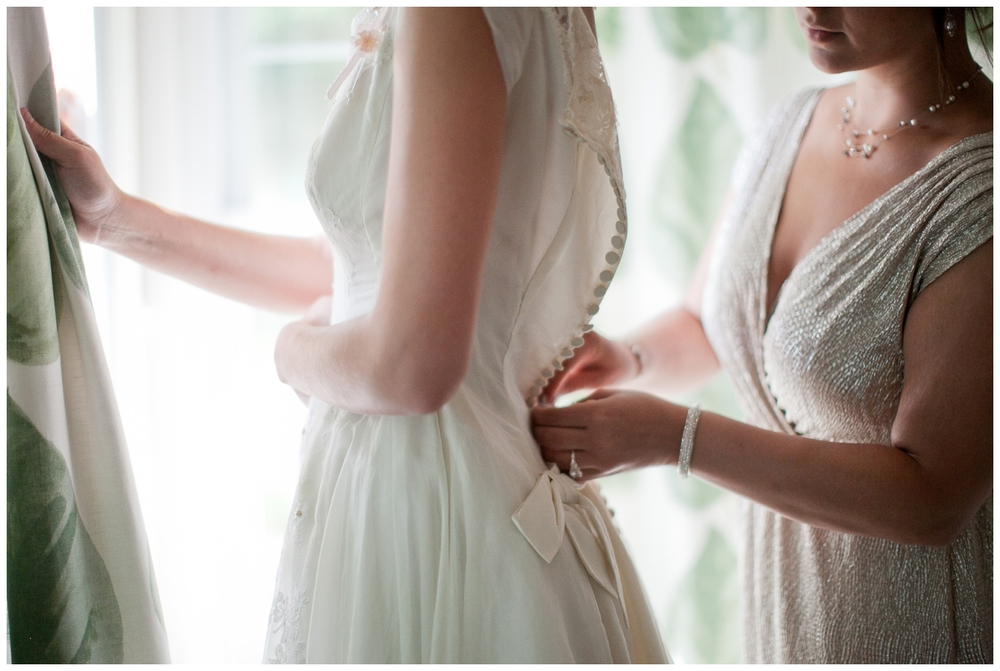 "Tips to enhance the ""Getting Ready"" photographs on your wedding day"