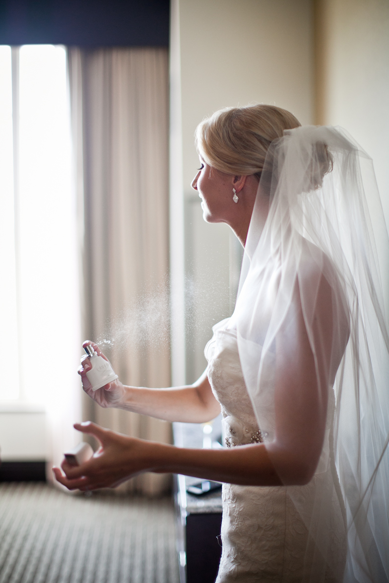 "tips to enhance the ""getting ready"" photographs of your wedding day"
