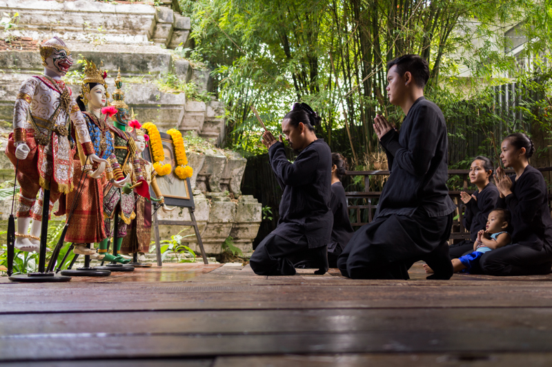 Wai khru - members of the troupe pray for the spirit of their late teacher.