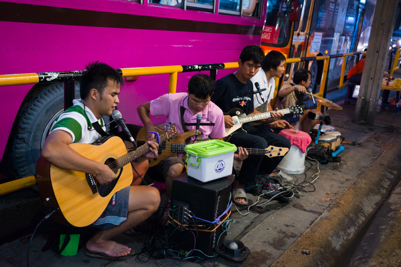 blind_street_musicians_bangkok